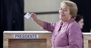 In Venezuela appare Chavez, in Cile ballottaggio tra donne