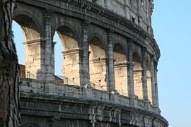 Roma 2024: occasioni perse e fuffa grillina